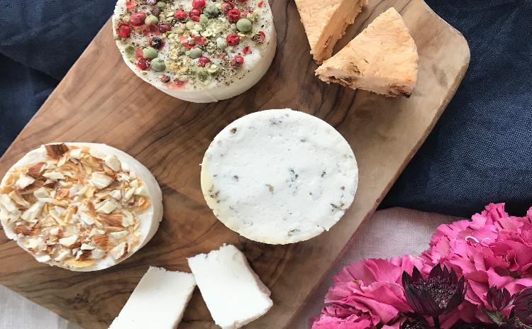 乳製品不使用! 「Raw vegan cheese & Finger Rawfood」