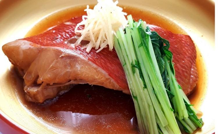 絶品過ぎる金目鯛の煮付け、水菜添え(単品定価:6,000円)