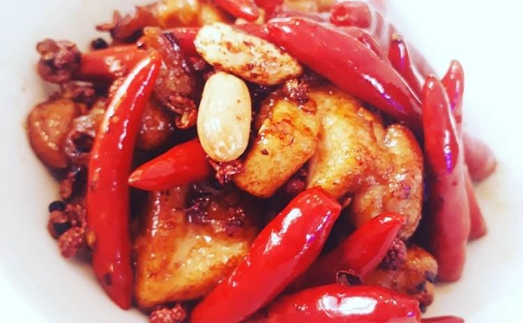 唐辛子鶏/辣子鶏ラーツーチー(単品定価:5,000円)