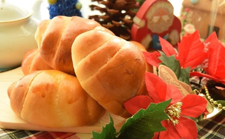 クリスマスはやっぱりシュトーレン(^^)/&リッチなバターロールでランチタイムを♡