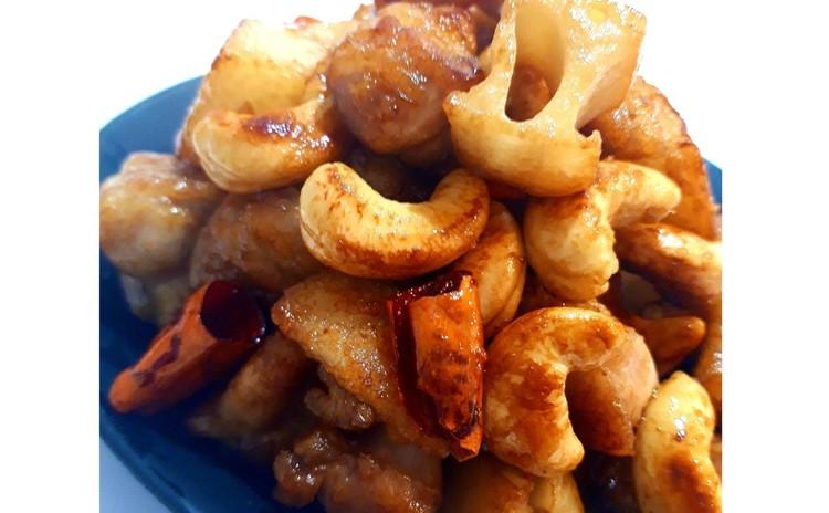 鶏肉とカシューナッツの炒め物(単品定価:5,000円)