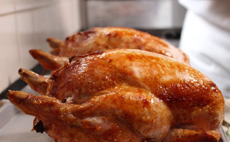 焼くだけじゃない、特別な丸鶏で迎えるクリスマス