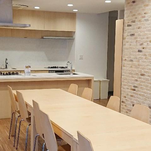 明るい雰囲気のキッチンスペースです。