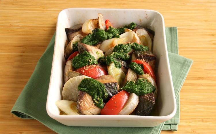 ブリと冬野菜のオーブン焼き ~春菊の和風ソース~