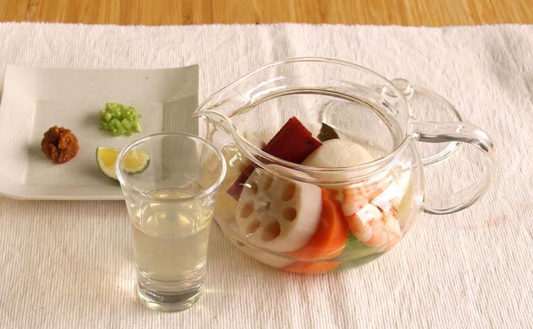 海老と冬野菜の土瓶蒸し風