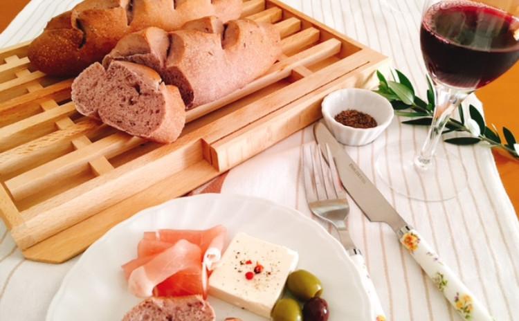 ホシノ丹沢酵母で作る 芳醇な味わいワインキャラウェイブレッド チーズ数種・ワインとともに
