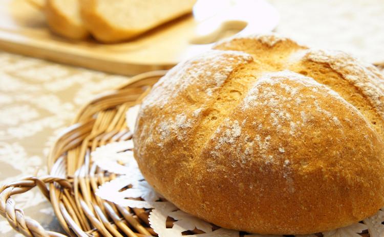 *バレンタインを意識して*『全粒粉のシンプルパン』と『ガトーショコラ』