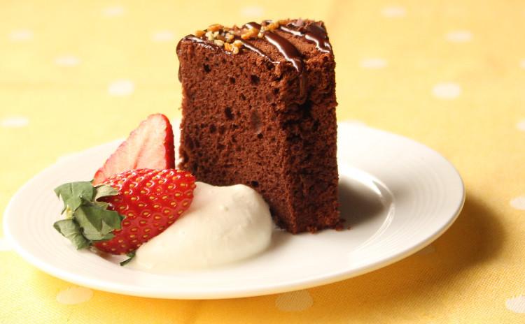 おしゃれにトッピングしましょ!チョコレート・シフォンのクリスマスケーキ ♪
