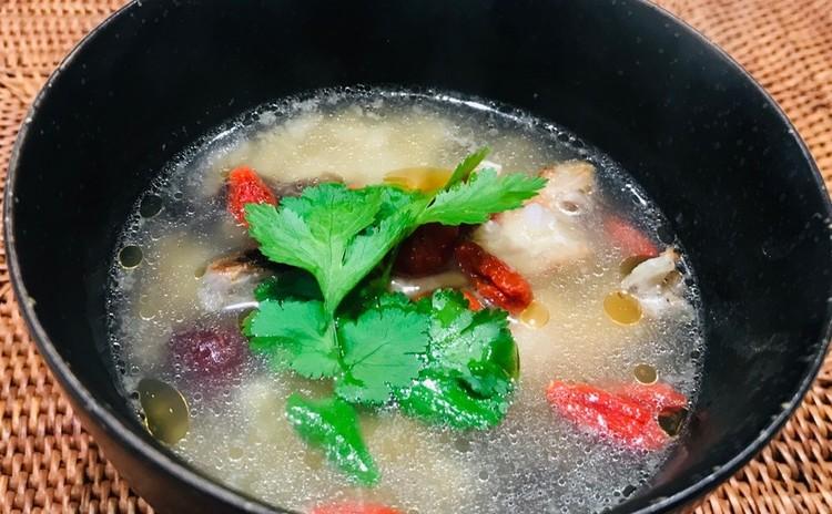 鶏手羽のと雑穀米のスープ