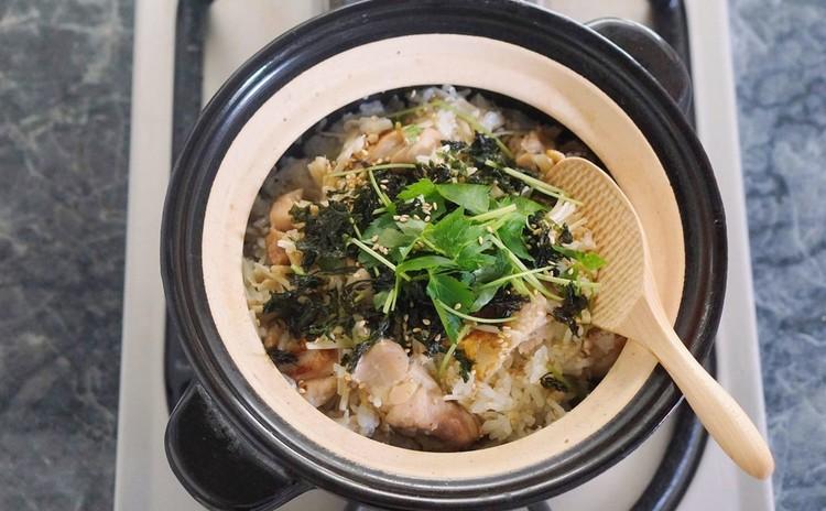 比内地鶏の土鍋飯