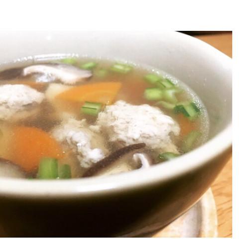 冬野菜と鶏団子のスープ