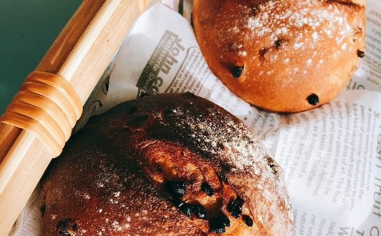 パン作りの基本メニュー☆たっぷりレーズンのカレンズブレッド&定番のあんぱん♪