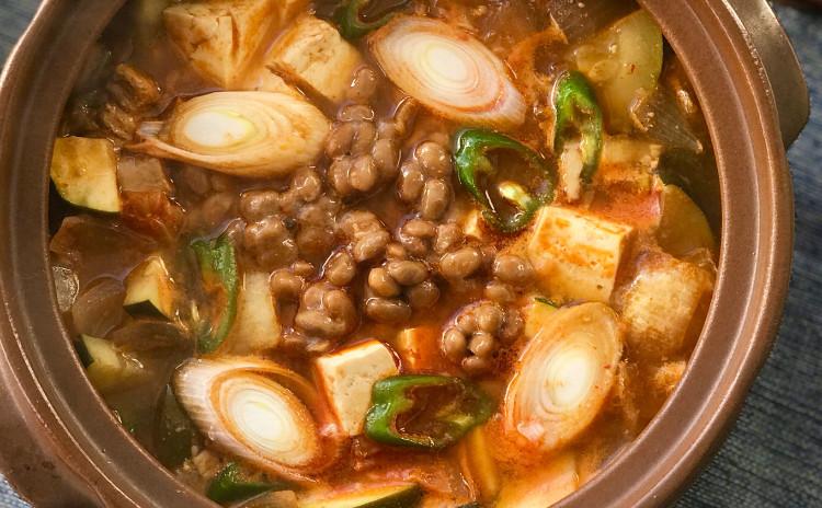 ボッサム、ボッサムキムチ、納豆キムチチゲ、セリとエビジョン、レモン茶など