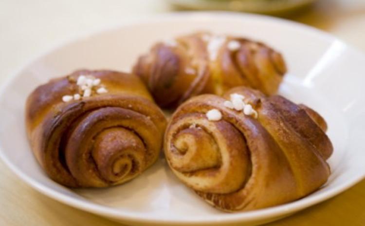 北欧スタイルのシナモンロールと北欧の焼菓子でほっこりリラックスタイム♪