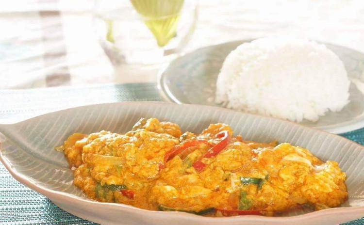 本当に美味しく作れる本格タイ料理。「クンパッポンカリー」と「プーケットのディップ」。