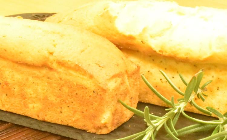 ご好評につき、ゴールデンウィーク復活メニュー‼    金谷ホテル風抹茶大納言ブレッド1.8斤&パン・オ・ノア&ブラックペッパーとチーズのパウンドケーキ&レンズ豆のカレー