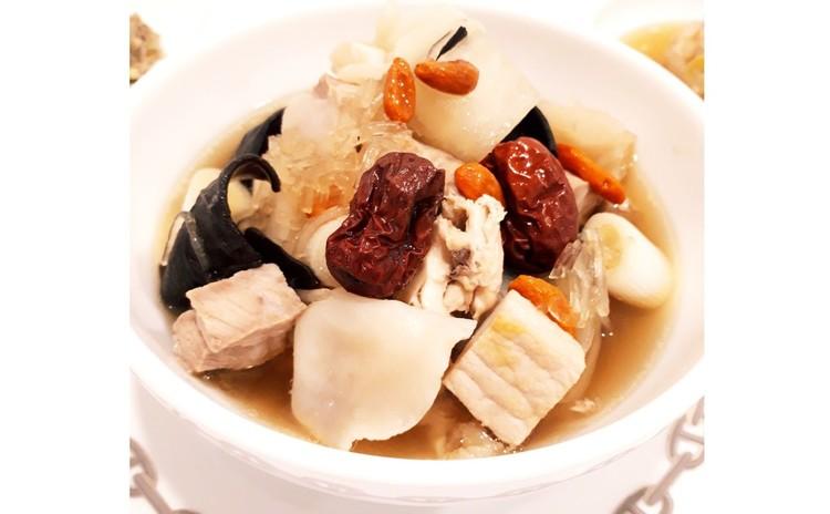 アンチエイジング美肌薬膳蒸しスープ(単品定価:15,000円)