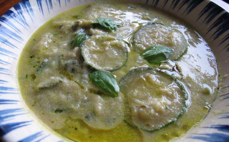 カンパニア風ズッキーニの卵スープ
