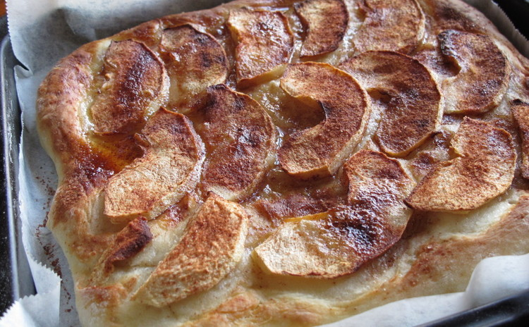 リンゴのピッツァ