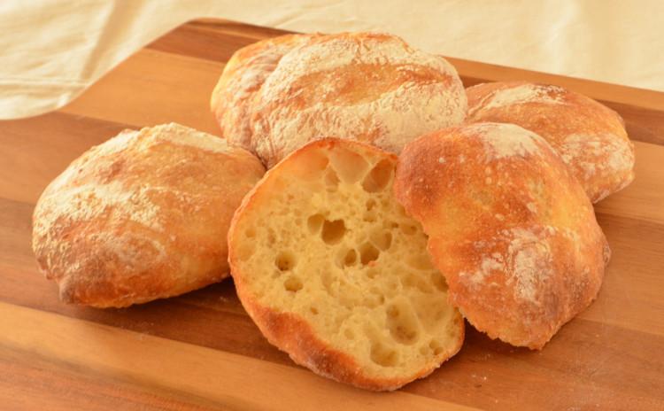 国産小麦粉を使って ルヴァンチャパタ こだわりランチ付き