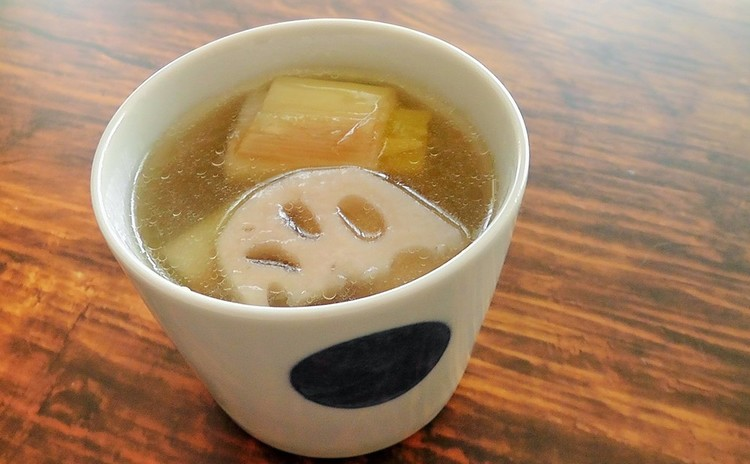 長ネギとレンコンの洋風生姜スープ