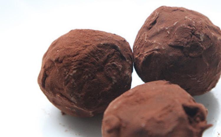 フランスヴァローナチョコレートから作る本格的なトリュフチョコレート
