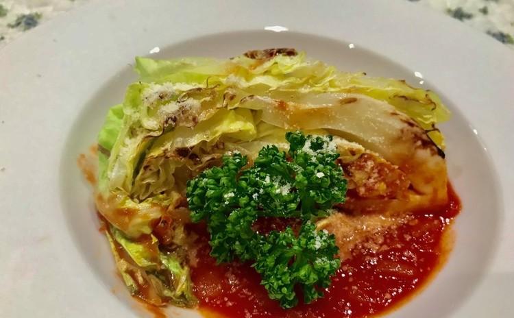 春キャベツのハーブグリル トマトスープで