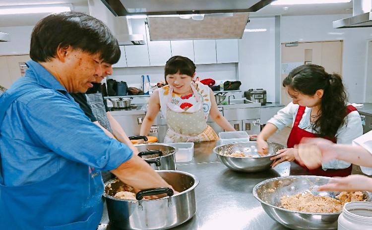 4種のオーガニック味噌食べ比べ&味噌玉作り