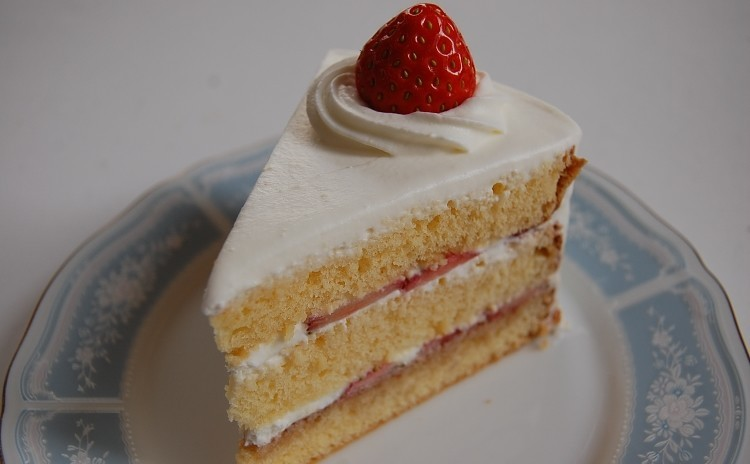 【プロが教える】しっとりフワフワな『ショートケーキ』 18cm 隠し味で大人っぽさを演出