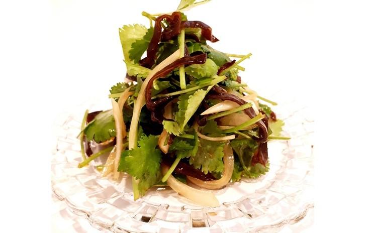 パクチーサラダ(単品定価:4,500円)