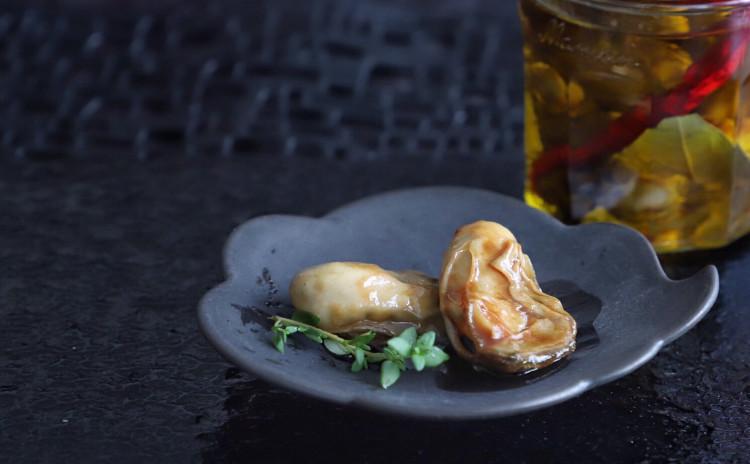 牡蠣オイル漬け サーモンソテー トマトとしらすのサラダ にんじんポタージュ