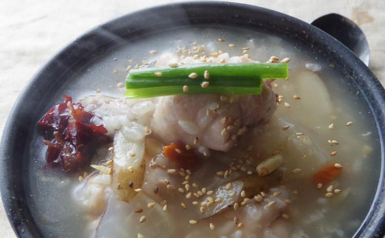 ポカポカ韓国風鶏スープ粥♪彩りナムル♪乾物と野菜の甘辛副菜2品も♪冬のやさしい韓国ごはん献立♡スイーツ付♡