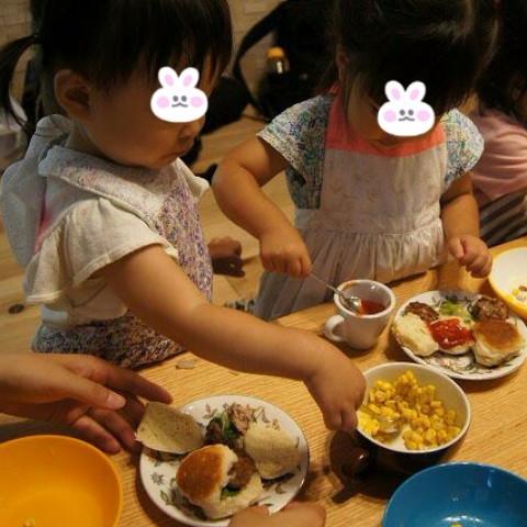 親子で食育体験★なりきりハンバーガー屋さん
