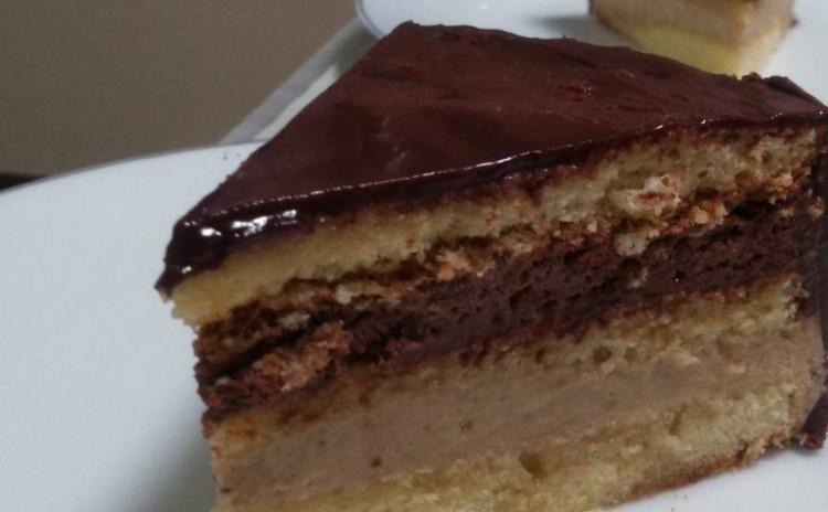 高級デザートケーキ!マロンクリームとバタークリームのチョコレートケーキ