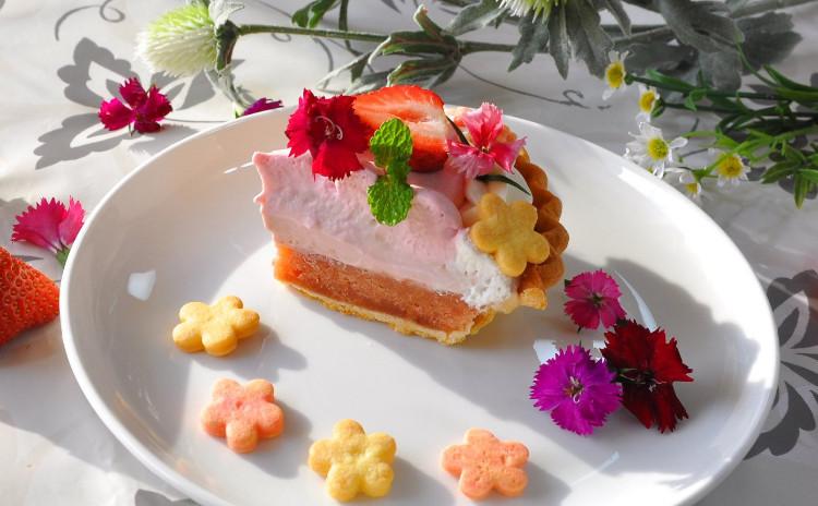 春色レッスン~いちごと桜のお花いっぱいタルト
