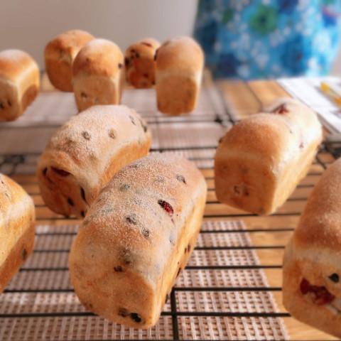 パンの焼きあがり