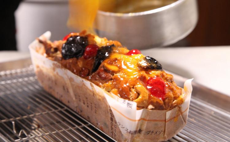 白身魚の赤ワインリゾットと国産豚のリエット、フルーツケーキ