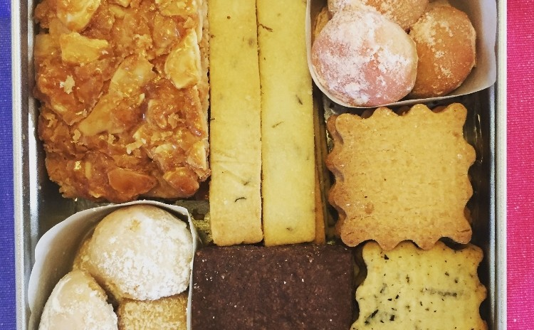 米粉クッキー缶✤7種類の米粉クッキーを12センチ角のアルミ缶に詰め合わせます♪