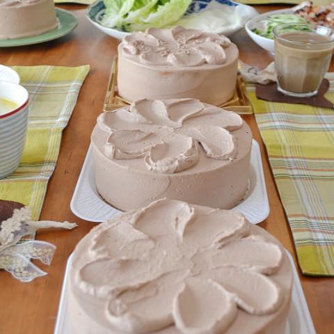 ・生チョコクリームとくるみのデコレーションケーキ