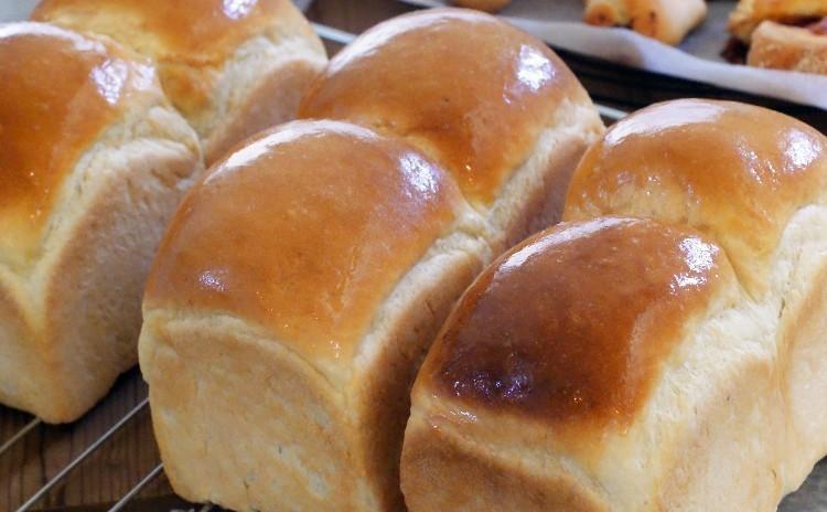 【体験レッスン♪】毎日食べたい基本の山食♪イギリス食パンと4種類から選べるロール~シナモン・コーヒー・抹茶・ほうじ茶