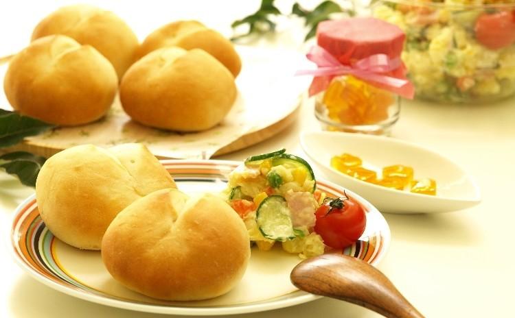 親子レッスン♪捏ねないパン作り!シンプル丸パン、手作りマヨネーズのポテトサラダ、べっこう飴♪