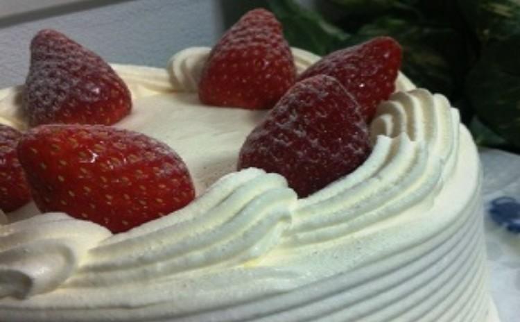 永遠の定番「いちごのショートケーキ」をマスターしましょう!15cm丸