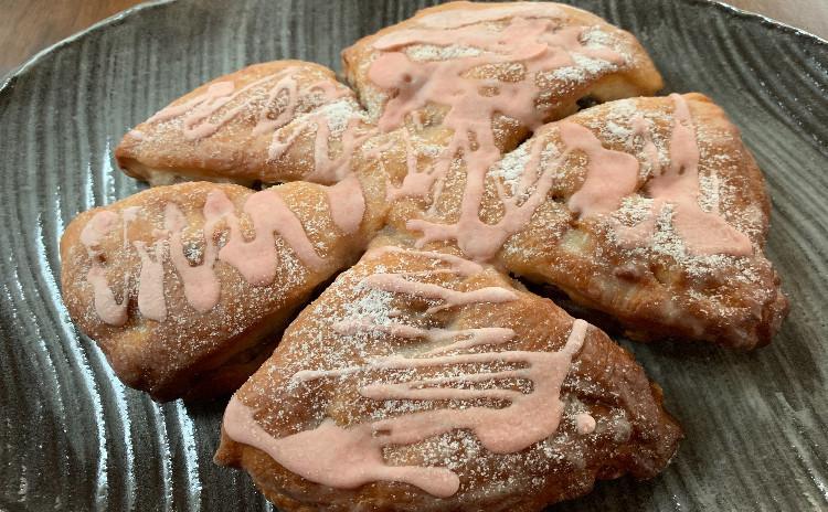 海洋酵母で作る桜シュトーレン☆帝国ホテル風バターミルクホワイトブレッド1.8斤~ご試食はほうれん草とツナのパンキッシュで湯町エッグベーカーで作る目玉焼きを添えて。☆抹茶のモンブラン