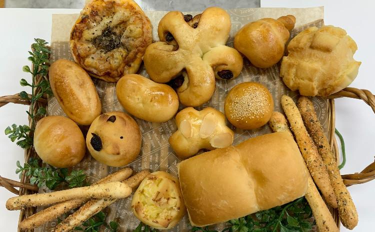 春休み子ども・親子パン教室     ミニパン13種類とバスケットを作ろう!!★ランチ付