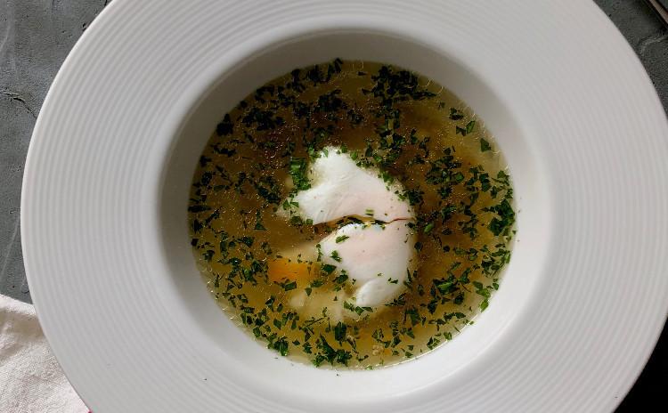 イタリア版ポトフ、ボッリートをメインに2皿とデセールで春のおもてなし