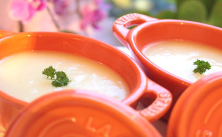(リクエスト)大吟醸酒粕を使って春のお野菜を楽しんでいただく「春野菜の酒粕バーニャカウダ」柔らかい和牛の「ハンバーグ マッシュポテトグラタン英国風」「TWGカモミールティーババロア」4品