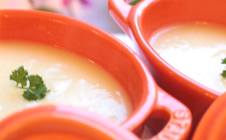 聖護院大根のスープ 豆乳仕立て