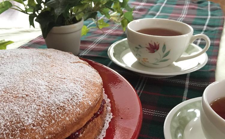 イギリス伝統菓子ヴィクトリアンケーキ4号お持ち帰り。パーティしましょう!