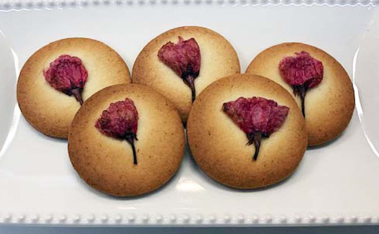 シットリ美味しいキャロットケーキと桜サブレ