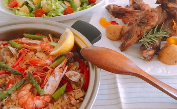 こどもの日パーティー料理 パエリア・スペアリブ(ハーブ・醤油味)・甘夏グリーンサラダ・鯉のぼりケーキ